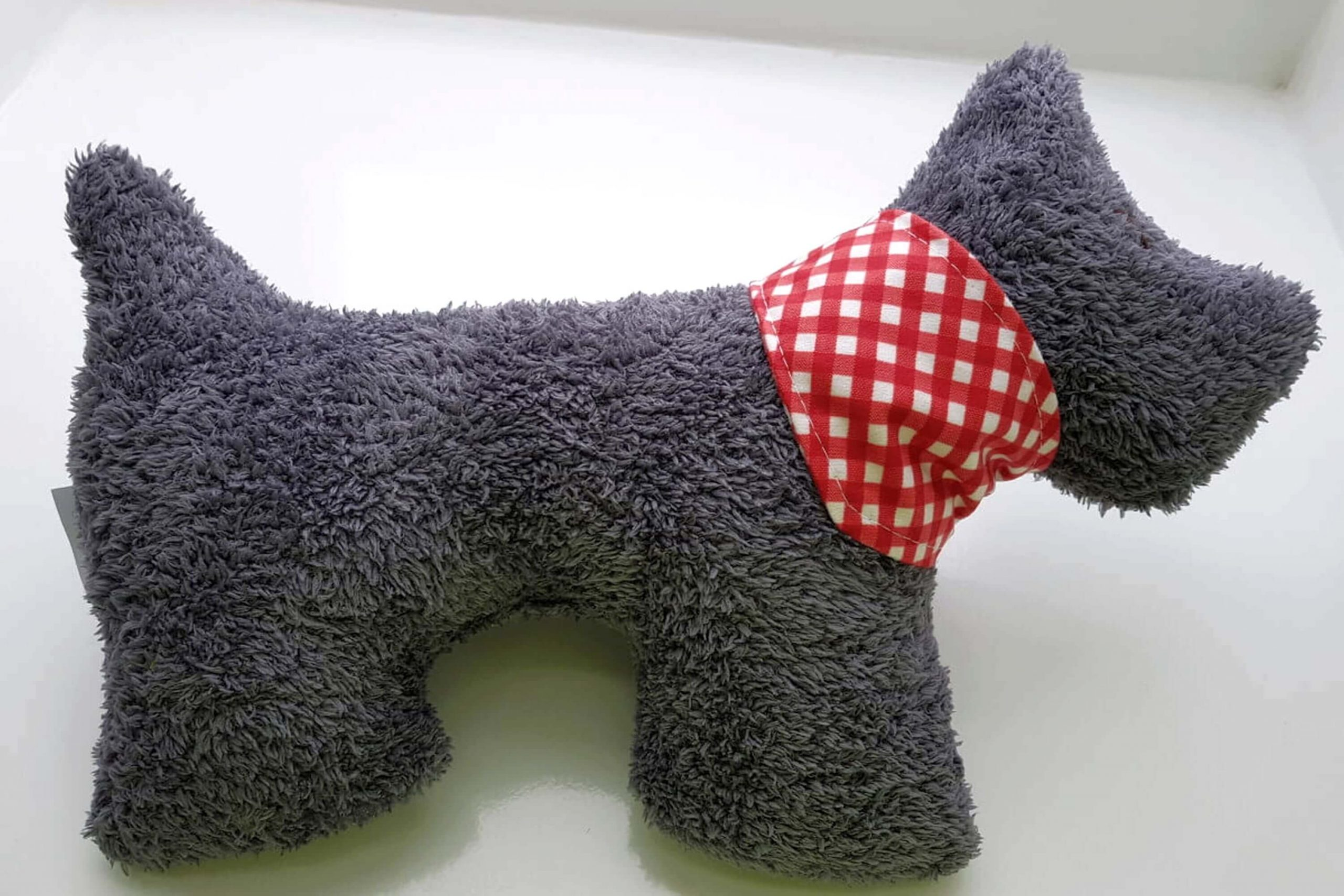 Plüschhund Fred grau L von DICT